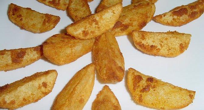 Cartofi pufosi in crusta crocanta de pesmet
