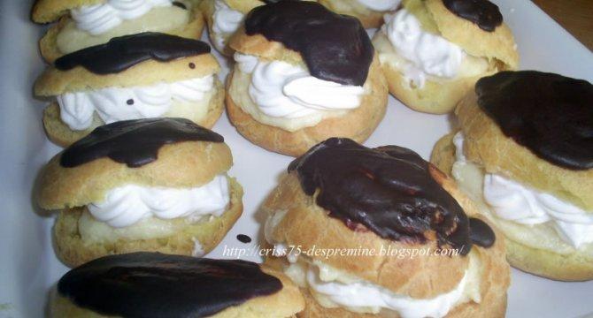 Eclere cu vanilie si frisca