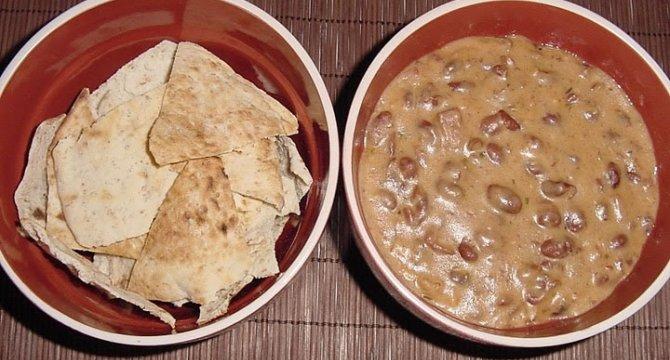 Mancare mexicana cu fasole rosie
