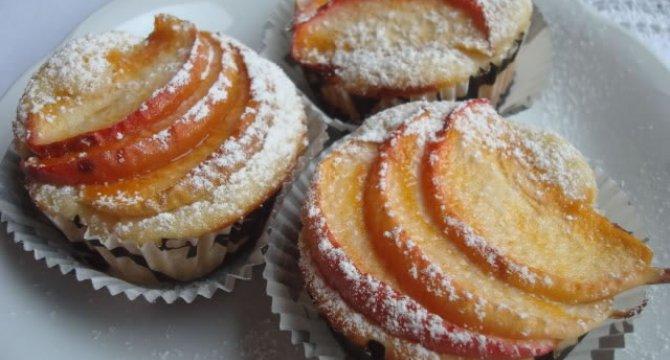 Muffins cu mere si cidru de mere