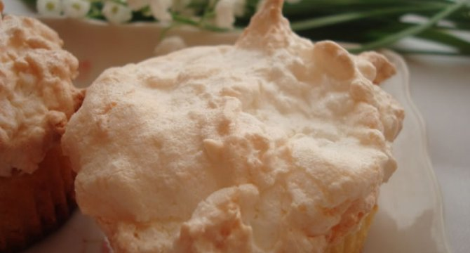 Muffins cu spuma de cocos