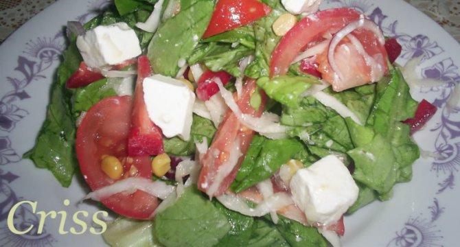 Salata cu porumb si feta