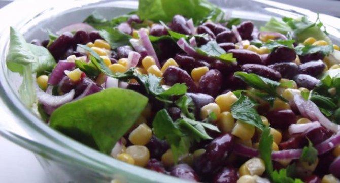 Salata de fasole rosie si porumb