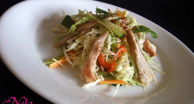 Salata de legume cu piept de pui