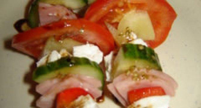 Salata pe bete de frigarui