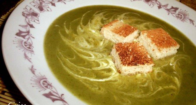 Supa crema din frunze de ridichi