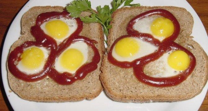 Tartine cu oua de prepelita