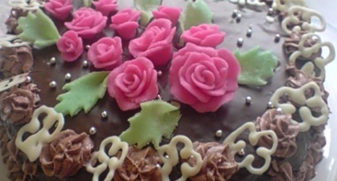 Tort invelit in ciocolata