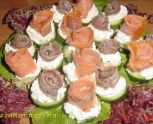 Aperitiv cu somon afumat sau anchoa