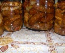 Carne la borcan, conservata in ulei