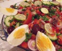 Salata algeriana cu anchoa si ou