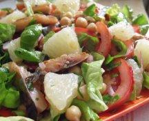 Salata cu naut, grapefruit si peste