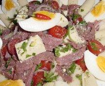 Salata cu pastrama si paste