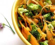 Salata de broccoli si morcov