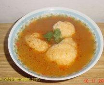 Supa de rosii cu galuste