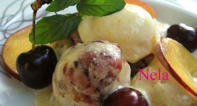Inghetata de cirese si piersici cu iaurt