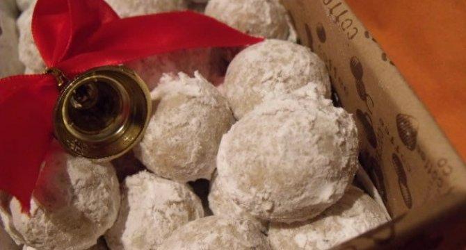 Russian tea cakes - Bilute cu nuca