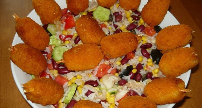 Salata cu orez, legume si crab