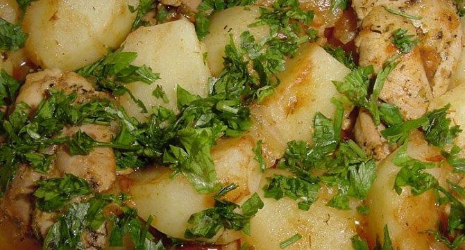 Tocanita de cartofi la cuptor