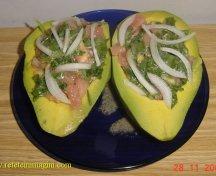 Avocado umplut cu legume