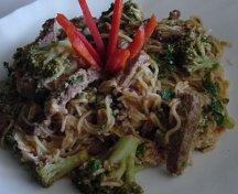Paste cu broccoli si carne de vita