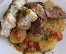 Paturata pe crumpi - Placinta cu branza pe mancare de cartofi