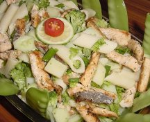 Salata aperitiv cu somon si paste