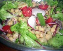 Salata cu naut si legume