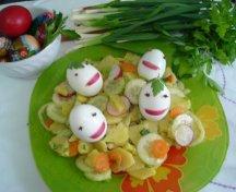 Salata de primavara cu oua vesele